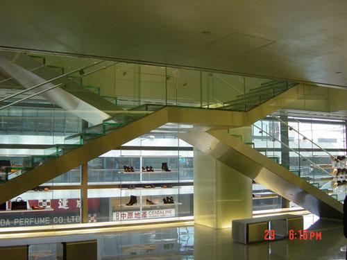 ARMANI HONG KONG 03