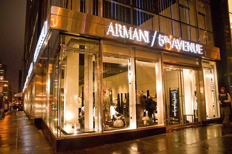 Armani fifth avenue studio di ingegneria sarti for Armani store nyc