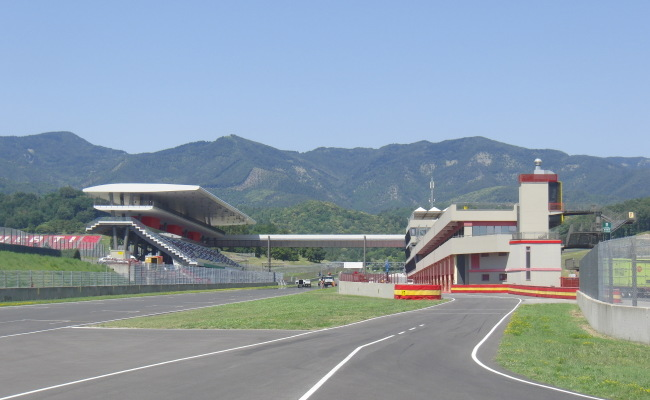 TRIBUNE MUGELLO 04