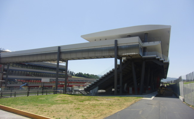 TRIBUNE MUGELLO 09