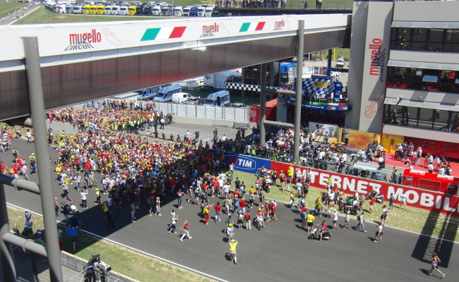 TRIBUNE MUGELLO 12